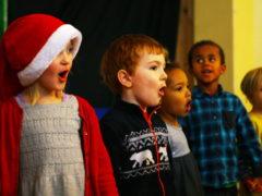 Billeder fra teaterstykkerne til juleafslutningen
